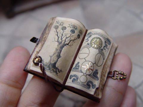 erickav_miniatures_books_alchemist_realistic_wizard_lair_inspiration_04