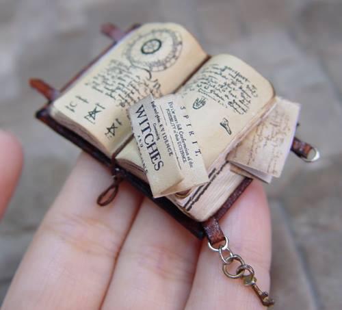 erickav_miniatures_books_alchemist_realistic_wizard_lair_inspiration_05