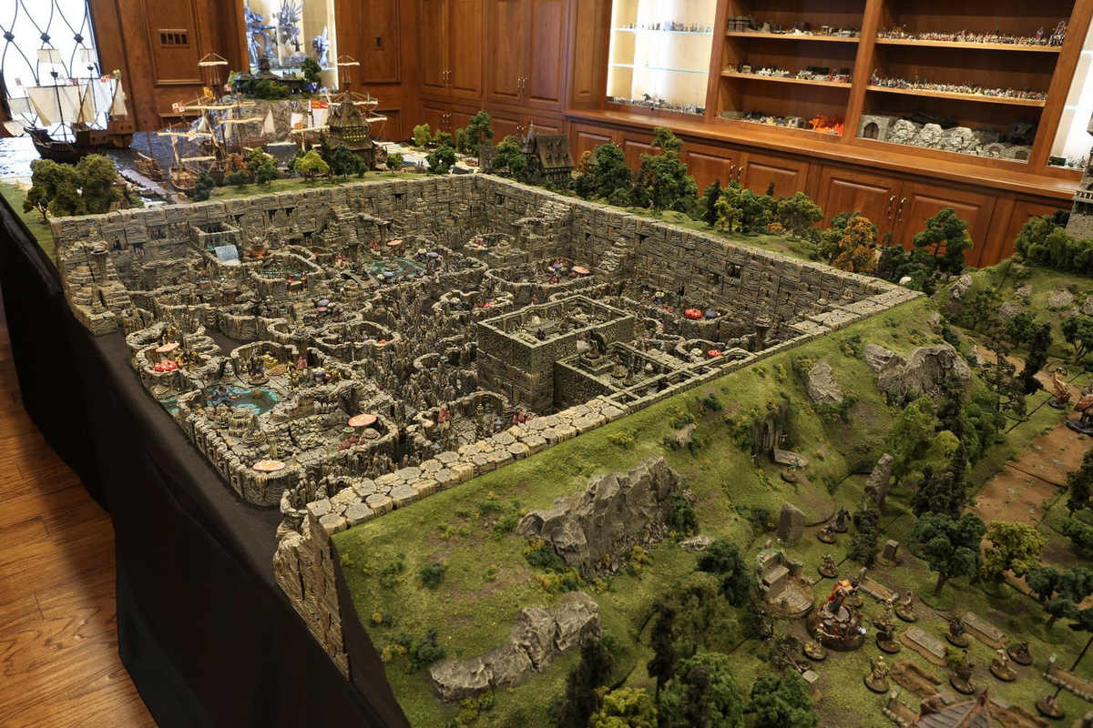 amazing-tabletop-terrain-fantasy-dungeonsanddragons-gaming-table-01