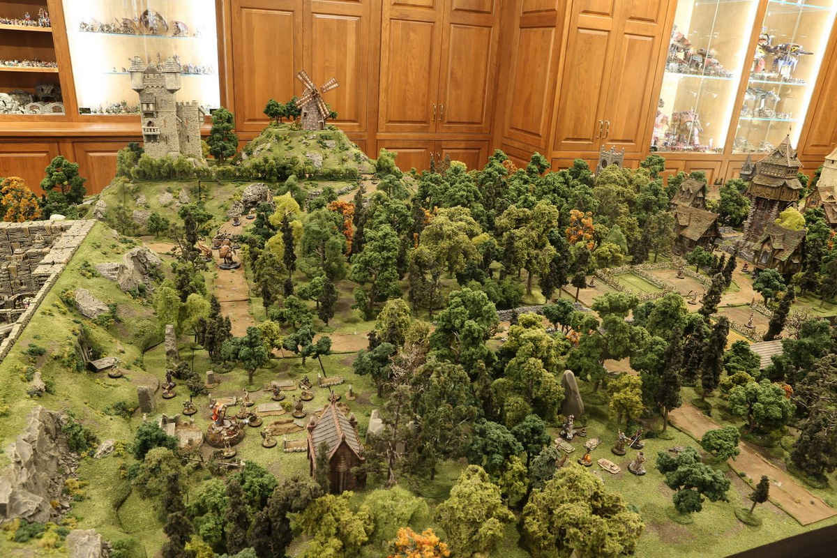 amazing-tabletop-terrain-fantasy-dungeonsanddragons-gaming-table-05