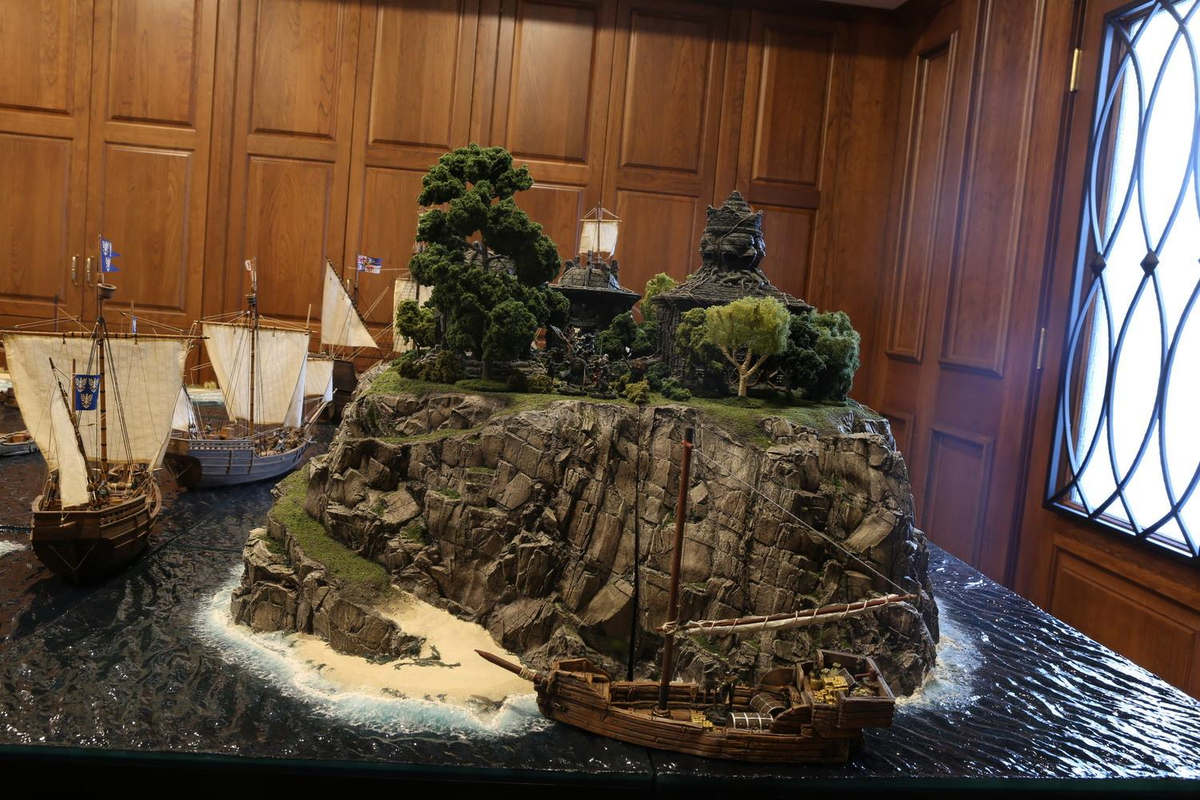 amazing-tabletop-terrain-fantasy-dungeonsanddragons-gaming-table-07