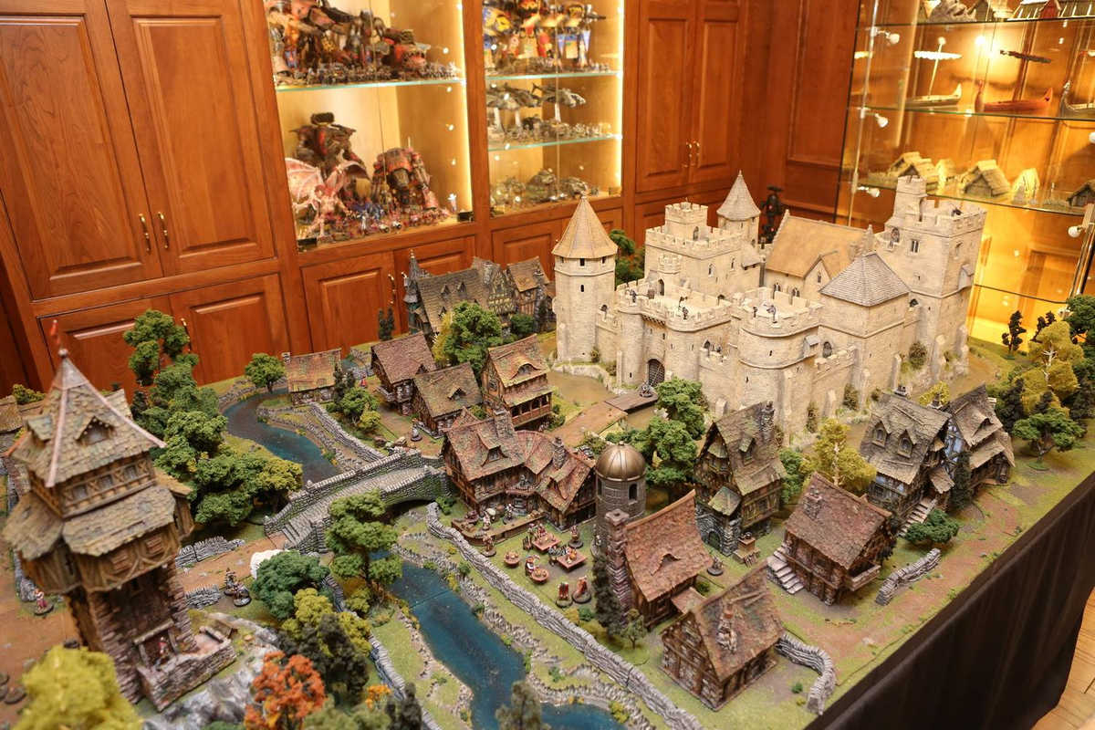 amazing-tabletop-terrain-fantasy-dungeonsanddragons-gaming-table-12