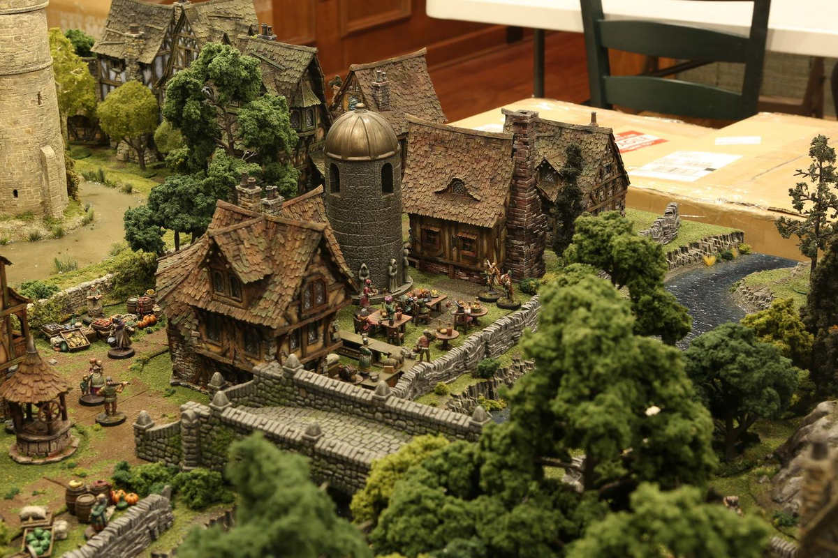 amazing-tabletop-terrain-fantasy-dungeonsanddragons-gaming-table-14