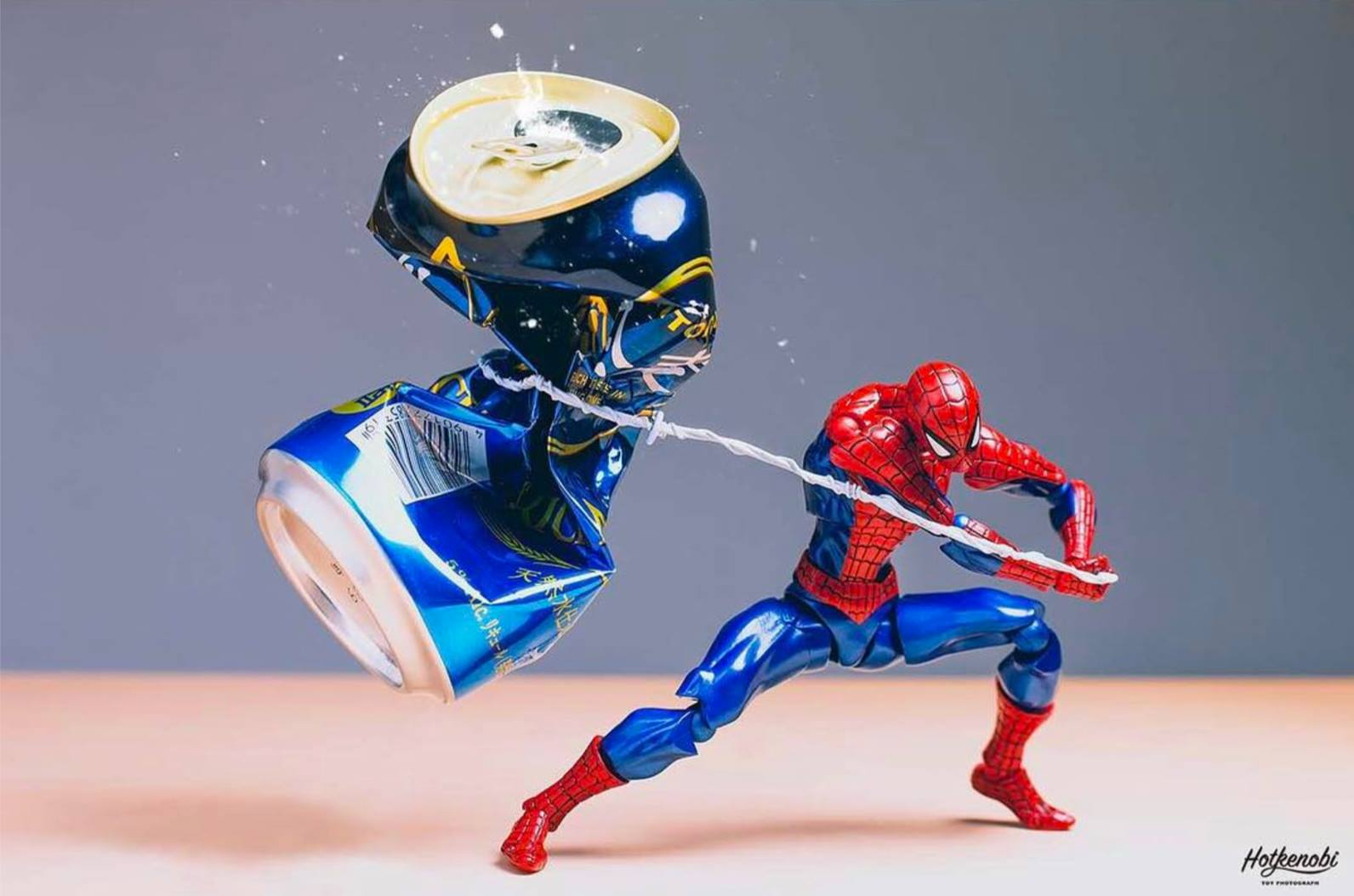 hot-kenobi-action-figures-beer-cans-photographs-03